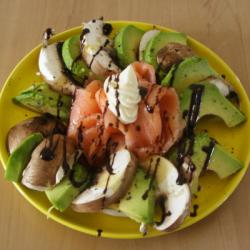 LCHF-Salat mit Champignon und Avocado