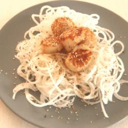 Jakobsmuscheln mit Rettich-Spaghetti