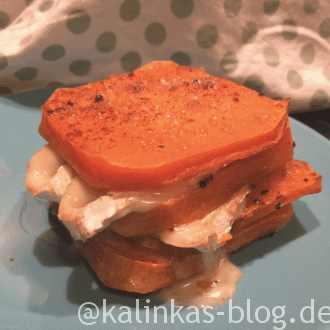 Kürbisschnitten mit Ziegen-Camembert